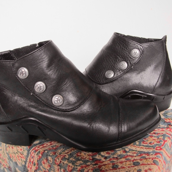Ariat Shoes - Ariat 3-Snap Ankle Spat III Boots Women's 6 Black